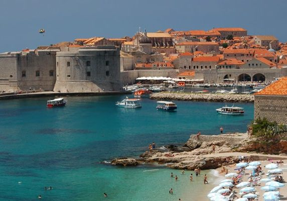Dubrovnik-Banje-beach-and-old-town